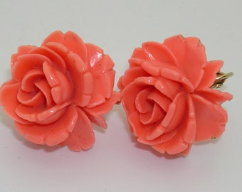 Vintage Accessocraft Coral-Colored Plastic Rose Floral Clip Earrings