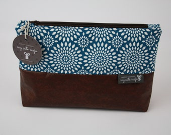 happily handmade travel bag, toiletry bag, cosmetic bag, wash bag