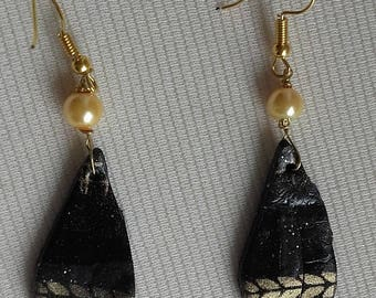 Black and gold earrings White Pearl