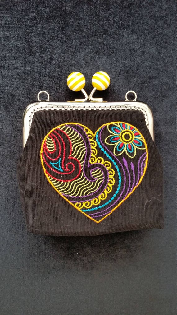 CP217. Coin Purse with mehndi style heart design.
