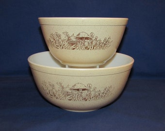 Pyrex FOREST FANCIES Mixing Bowls 402 and 403 from the 80s