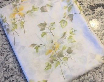 Vintage yellow floral queen flat sheet//Vintage fabric