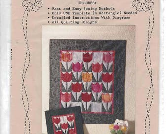 Tiny Tulips Miniature Quilt Pattern in Two Sizes by Linda Goodmon Emery frinYes, You Can Patterns