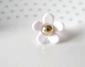 Cute Resin Daisy Flower Iphone, Phone / Headphone Dust Plug, Quirky, Cellphone Accessory, Floral