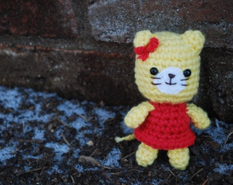 Amigurumi Cat, Crochet Cat Plushie with Dress