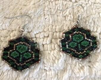 Earrings Kelly Green and Black Shamrocks seedbeads Hooks