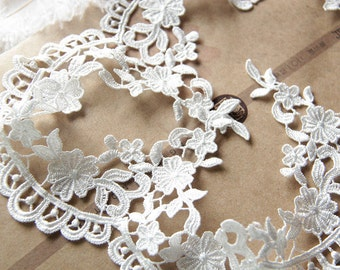 White Floral Lace Trim Embroidered Floral Lace Trim  3.54 Inch Wide 2 Yards L0406
