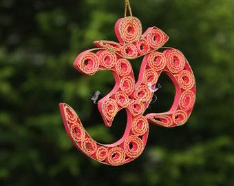Paper Quilling Om  in a gift box, Om Ornament, Aum Symbol, Yogi Gift, Om Keepsake, Spiritual person gift, Yoga, Hinduism, Buddhism