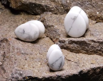 A Pair of White Howlite Teardrop Stone Ear Plugs, Stone Plugs, Ear Plugs, Stretched Ears