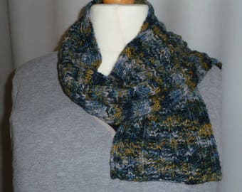 Blue and green knitted cabed scarf