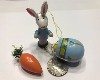 3 piece Vintage wood Easter ornaments mix, 40 - 60 mm tall (HR53)
