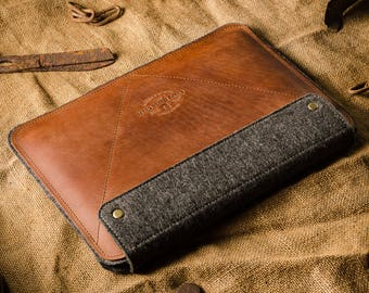 iPad 9.7 2018 case leather, case, stand, leather iPad 9.7 sleeve, 100% wool felt, apple pencil holder, Crazy Horse leather, brown leather
