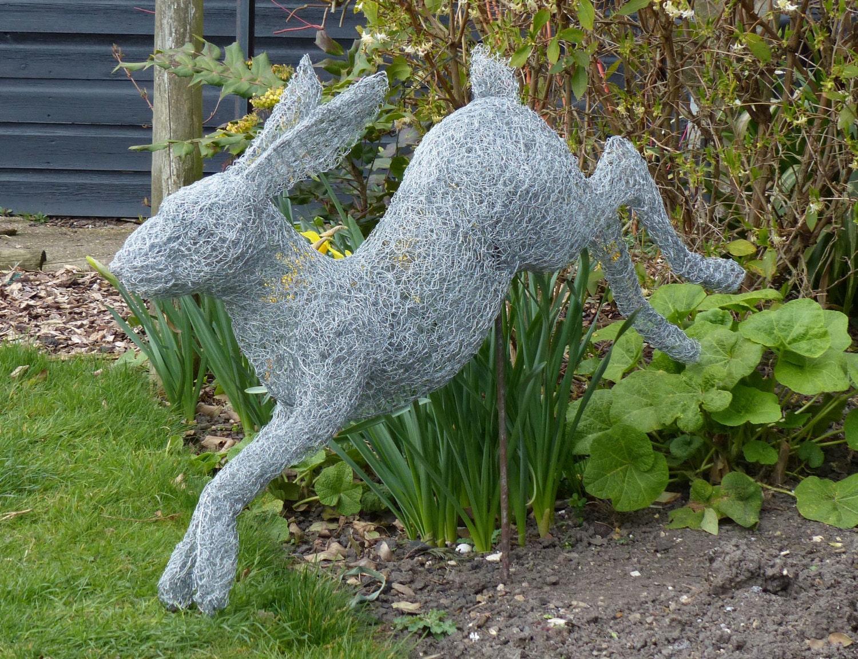 Springenden Hasen Draht Skulptur