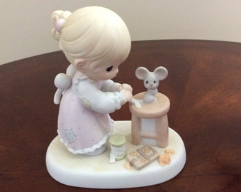"Precious Moments ""Blessed Are The Merciful"" Figurine #PM972 Enesco. (Members Only Figurine)."