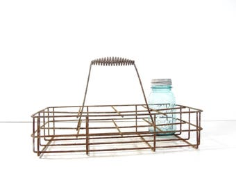 Vintage Metal Wire Milk Bottle Carrier / Metal Wire Oil Bottle Holder Basket / Rustic Industrial Storage