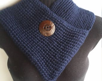 Alpaca cowl blue with coconut button