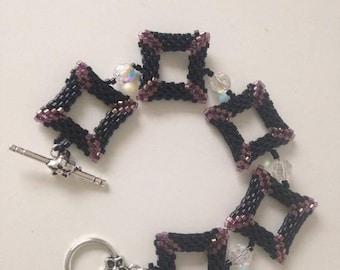 Square Swarovski crystals and peyote bracelet