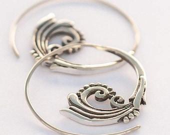 Silver Vine Spirals (js-e-034)