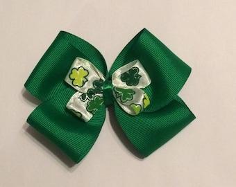 Green St Patricks Day Bow