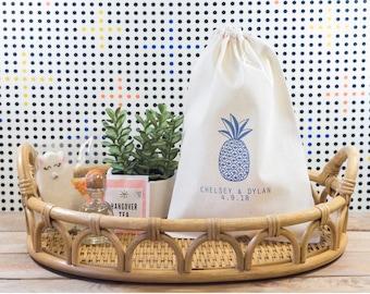 Pineapple Wedding Welcome Bag - Tropical Wedding Favors - Custom Wedding Welcome Bags - Beach Wedding Favors - Beach Welcome Bags