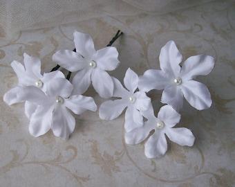 White Stephanotis Flower Hair Pins - Set of Six - Bridal Hair Flowers - White Wedding Hair Flowers