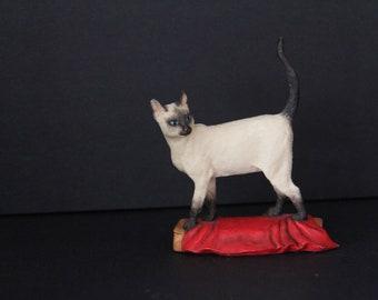 "Vintage Border Fine Arts-Judy Boyt-Siamese Cat - ""Aristocat"""