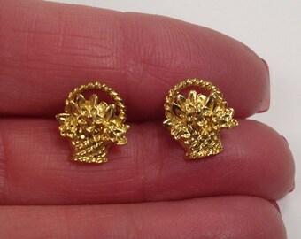 Avon Vintage Flower Basket Pierced Earrings
