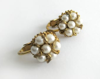 Vintage Miriam Haskell Pearl Earrings / Glamour Girl / Petite Pearl Cluster Earrings / Designer Costume Jewelry / Screw Back Earrings