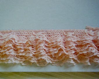 LACE GATHERED Scalloped 1 yard  Peach Salmon Nylon 1 3/8 inches wide  098