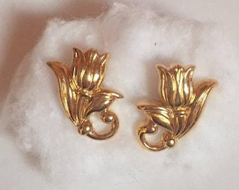 Vintage Gold Costume Jewelry Flower Earrings