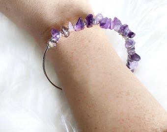 Raw Crystal Bracelet / Beaded Expandable Bangle / Amethyst Stone Bangle / purple Bracelet / Beaded Bracelet / Stress Relief Bracelet