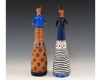 Geschnitzten Salz und Pfeffer Set - zwei Figuren Keramik - Jenny Mendes gemeißelt Set