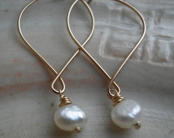 Bridesmaids Set of  5  Pairs Of Earrings Bridal Simple White Asymmetric Fresh Water Pearls, Earrings, In Gold, Wedding, Gift For Her