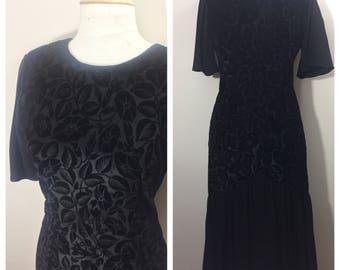 Jane Singer 80s Black Velvet Dress // Floral Embossed Dress //80s does 20s Black Dress // 53