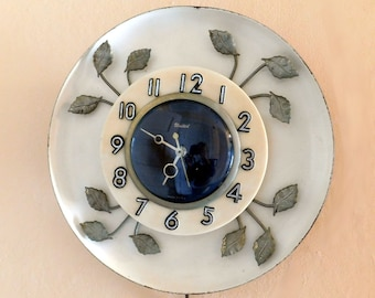 Vintage Mid-Century United Electric Wall Clock w/ Brass Leaves Model 45 - Art Deco Styling - Black/Silver Numbers, Black Face - Tested, Runs