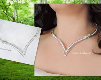 """Wedding silver and white with Pearl and rhinestone """"Eledrä"""" necklace"""