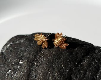 Super cute tiny 14k gold bumble bee  studs