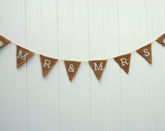 Mr & Mrs Burlap Banner. Wedding Banner. Wedding Decor