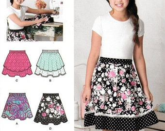 Learn to Sew Skirt Sewing Patterns Elastic Waist Flared and Double Layer Size 8 - 16 Simplicity S0901 Uncut