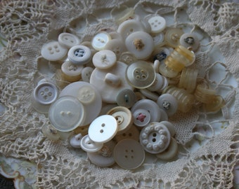 100 Assorted Buttons