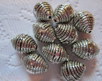 10  Nickel Silver Antiqued Ringed Oval Acrylic Beads  20mm x 15mm