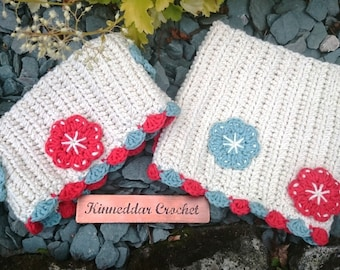 Crochet flower welly toppers in 100% recycled cotton yarn with fowers. Great for festivals or winter