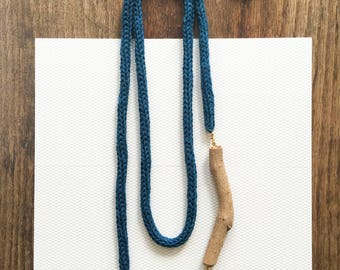 Knitted Necklace -turquoise-