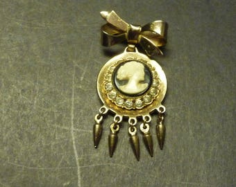 Cameo Brooch - Pendant style with teardrop dangles accents