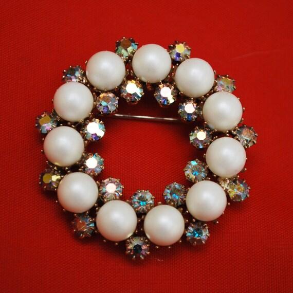 Round  Rhinestone brooch - Pearl Aurora Borealis - Wreath Pin