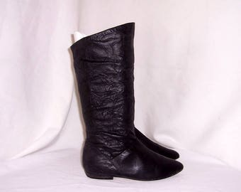 Sz 6.5 B Vintage Tall Black Genuine Leather 1980s Women Flat Pirate Slouch Boots.