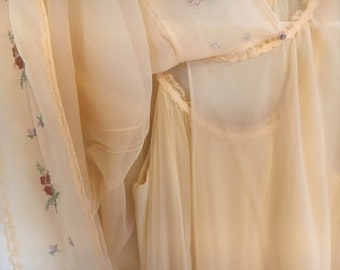 Genuine Vintage Vanity Fair Nightgown Set