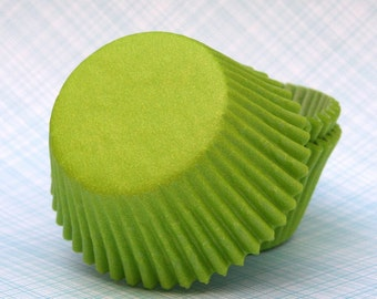 SALE: Lime Green Cupcake Liners (50) Spring Green Baking Cups, Spring Cupcake Liners