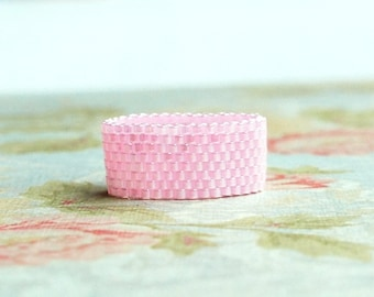Pink Seed Bead Ring, Peyote Ring, Beaded Ring, Woven Ring, Delica Ring, Bead Band Ring, Cotton Candy Pink, Seed Bead Jewelry, Flexible Ring