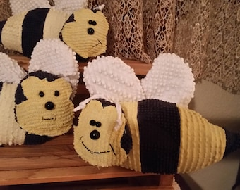 chenille pillow bee